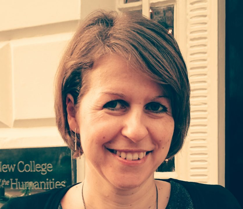 Elke Tinnacher, Magister (Universität Graz), MBA (Teesside), MCIM